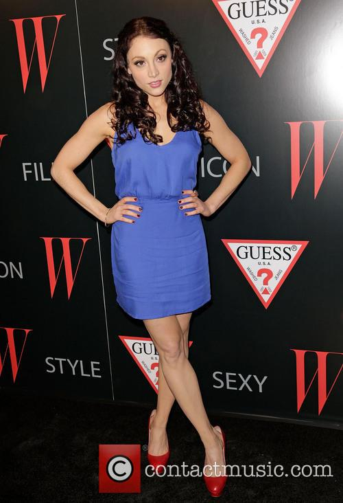 leah gibson w magazine and guess celebrate 20047602