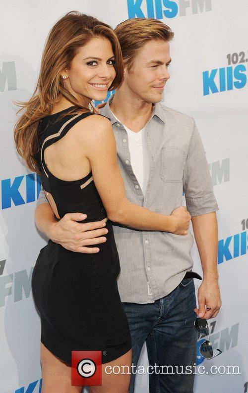 Maria Menounos and Derek Hough 9
