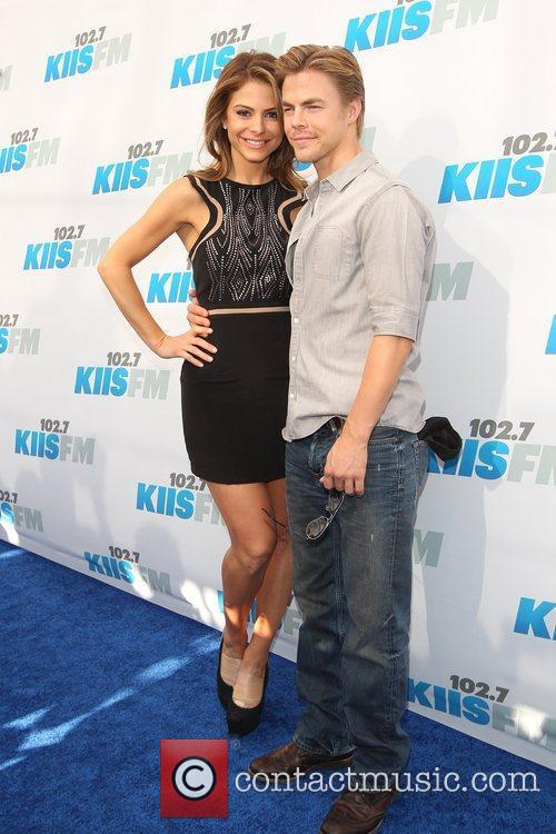 Derek Hough and Maria Menounos 9