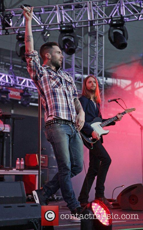 Adam Levine, James Valentine and Maroon 5 6