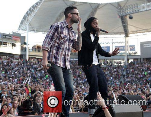 Adam Levine, Gym Class Heroes and Travis Mccoy 2