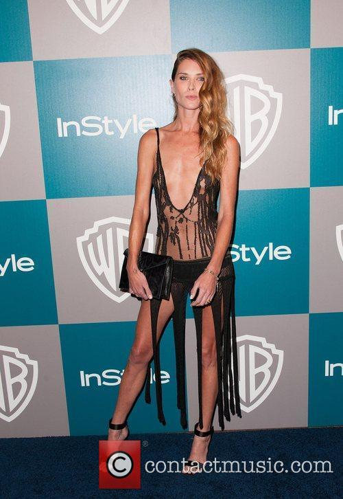 Erin Wasson and Beverly Hilton Hotel 1