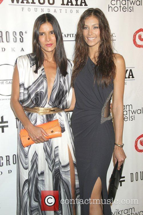 Patricia Velasquez and Dayana Mendoza 5
