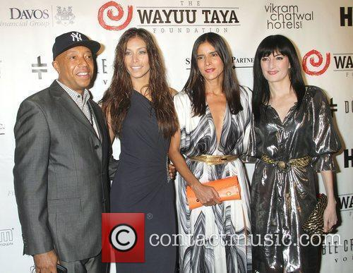 Russell Simmons, Dayana Mendoza and Patricia Velasquez 3