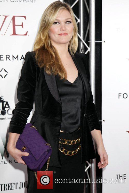 Julia Stiles and Ziegfeld Theatre 3