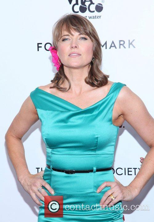 Lucy Lawless and Ziegfeld Theatre 6
