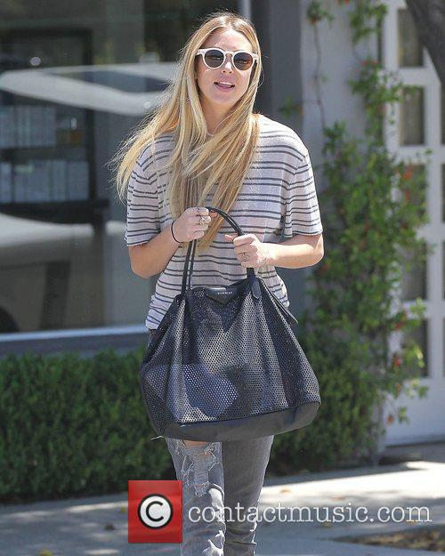 Whitney Port leaves Neil George Salon in West...