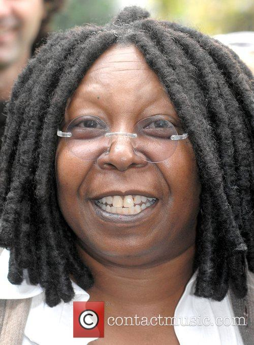 Whoopi Goldberg, Gold Honorary Medal, Patronage, Trinity College Philosophical Society, Dublin and Ireland 4