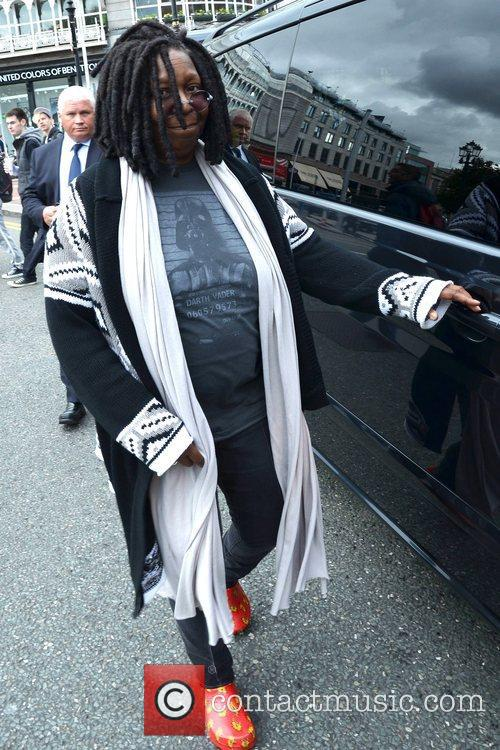 Whoopi Goldberg, Gold Honorary Medal, Patronage, Trinity College Philosophical Society, Dublin and Ireland 10