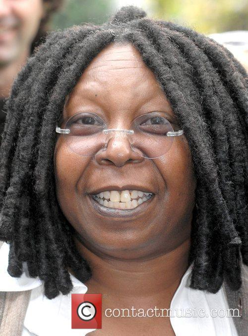 Whoopi Goldberg, Gold Honorary Medal, Patronage, Trinity College Philosophical Society, Dublin and Ireland 7