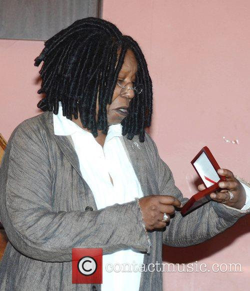 Whoopi Goldberg, Gold Honorary Medal, Patronage, Trinity College Philosophical Society, Dublin and Ireland 11
