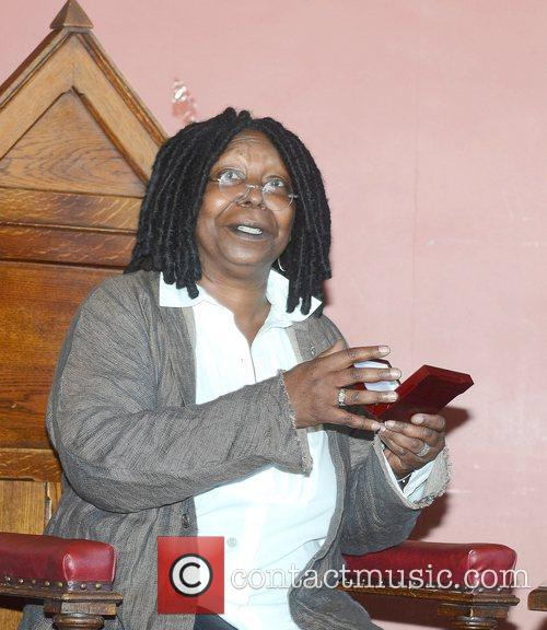 Whoopi Goldberg, Gold Honorary Medal, Patronage, Trinity College Philosophical Society, Dublin and Ireland 14