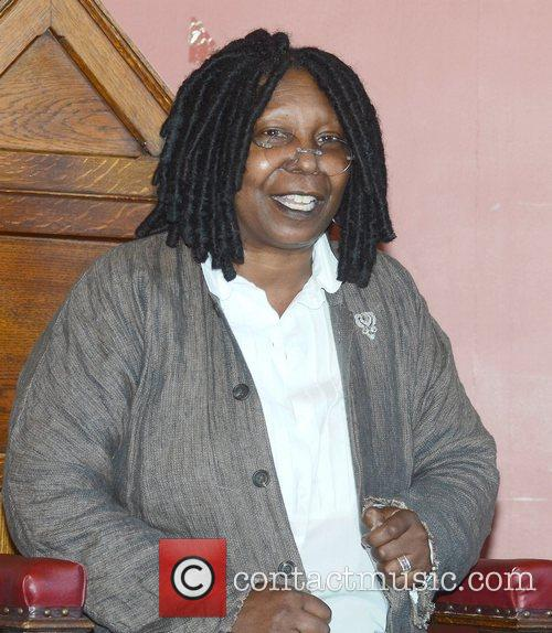 Whoopi Goldberg, Gold Honorary Medal, Patronage, Trinity College Philosophical Society, Dublin and Ireland 17