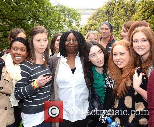 Whoopi Goldberg, Gold Honorary Medal, Patronage, Trinity College Philosophical Society, Dublin and Ireland 15