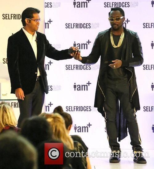 Chandra Rathakrishnan and will.i.am,  at the photocall...