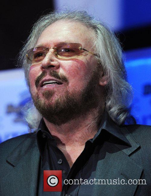 barry gibb 2011 winterfest boat parade vip 3650147