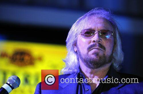 Barry Gibb and Hard Rock Hotel And Casino 10