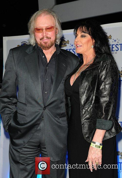 barry gibb and linda gibb 2011 winterfest 3650684