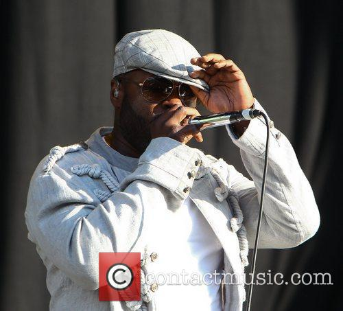 Black Thought and The Roots 6