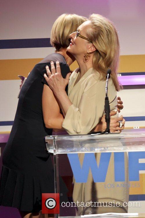 Jenna Elfman, Meryl Streep and Beverly Hilton Hotel 1