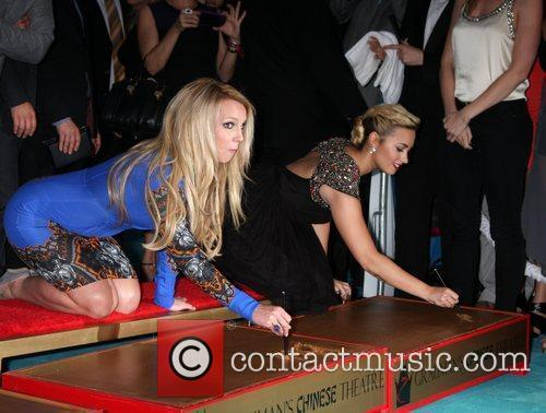 Britney Spears and Demi Lovato 4