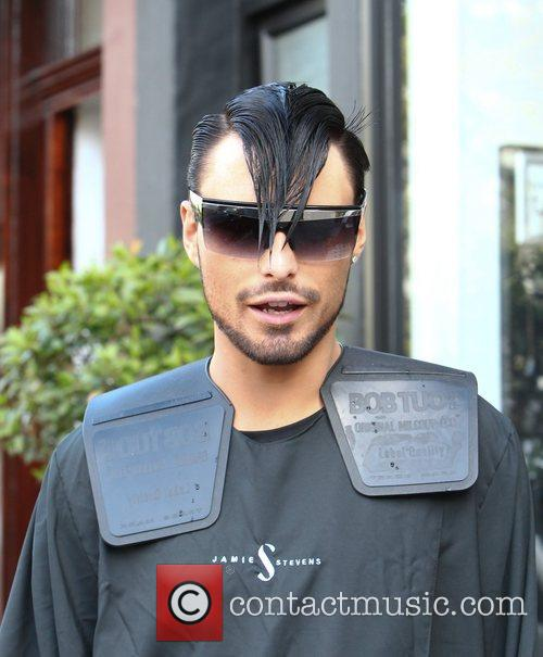 Br>'X Factor' Contestant Rylan Clarke gets his hair...