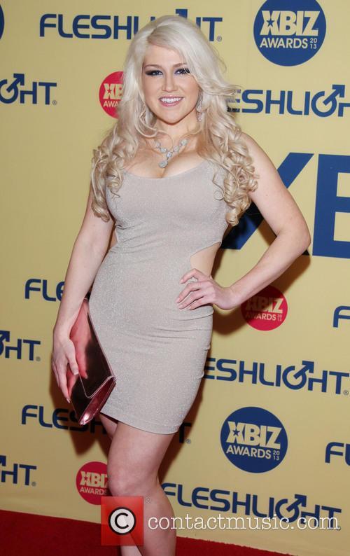 Nikki Phoenix nude 626