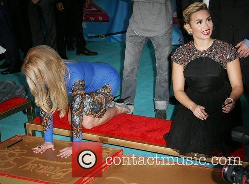 Britney Spears and Demi Lovato 2