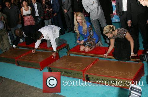 Simon Cowell, Britney Spears, Demi Lovato and X Factor 4