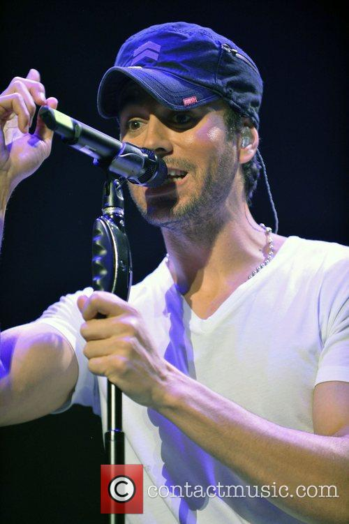 enrique iglesias y100s jingle ball 2012 at 4193738