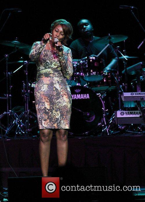 Yolanda Adams 5