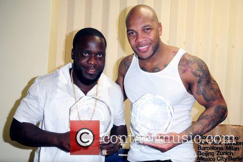 Freezy and Flo Rida aka Tramar Dillard backstage...