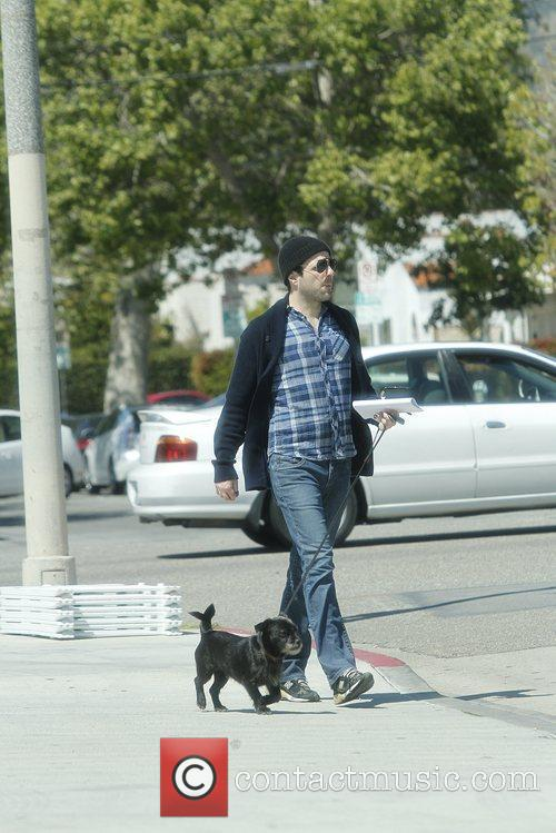 zachary quinto seen out and about with 5825776