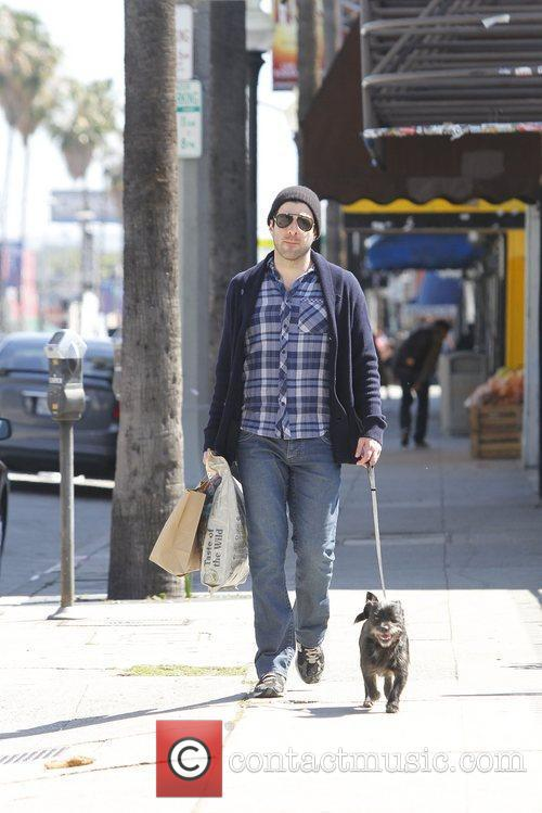 zachary quinto seen out and about with 5825797