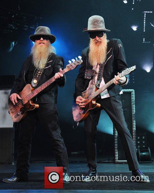 Dusty Hill and Billy Gibbons 8