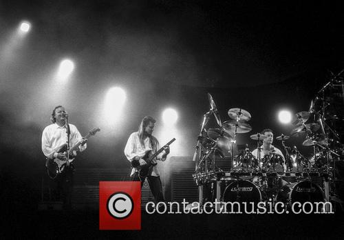 David Gilmour, Scott Page and Nick Mason 8