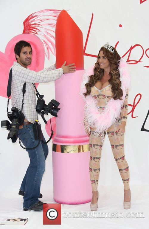Katie Price and Photographer 3