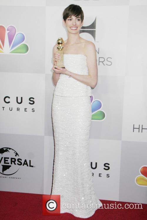 Anne Hathaway, NBC, Golden Globe
