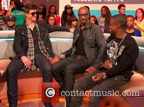 Robin Thicke, Jb Smoove and Kevin Hart 11