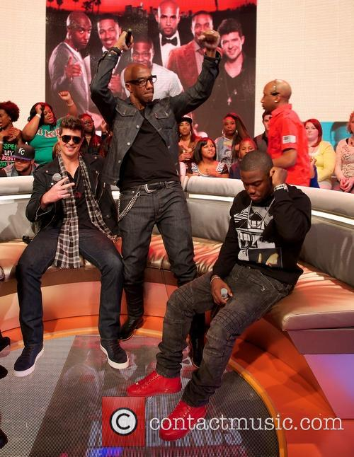 Robin Thicke, JB Smoove and Kevin Hart 7