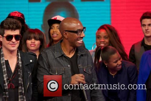 Robin Thicke, JB Smoove and Kevin Hart 8