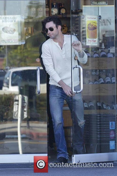 adam levine exclusive adam levine out for lunch 3453859