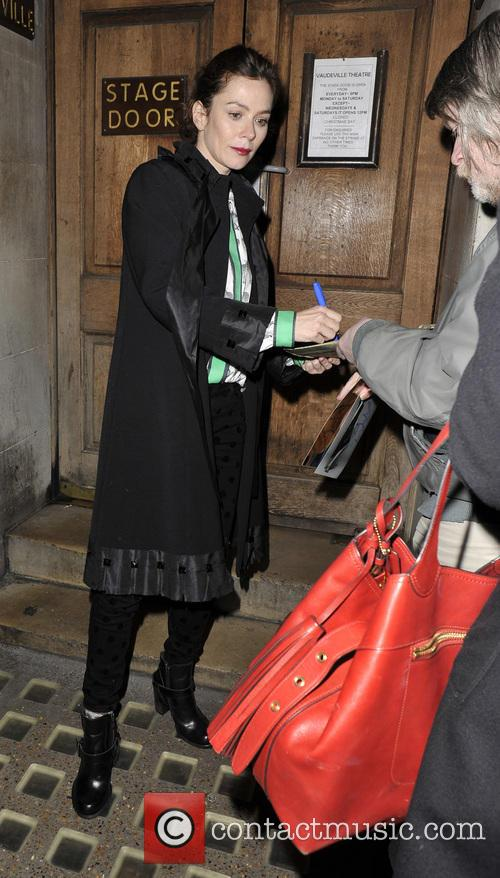 Anna Friel - Anna Friel Leaving The Vauderville...