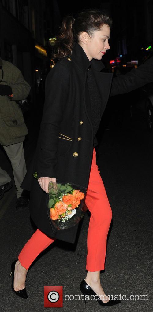 Anna Friel - Anna Friel leaves The Vaudeville...