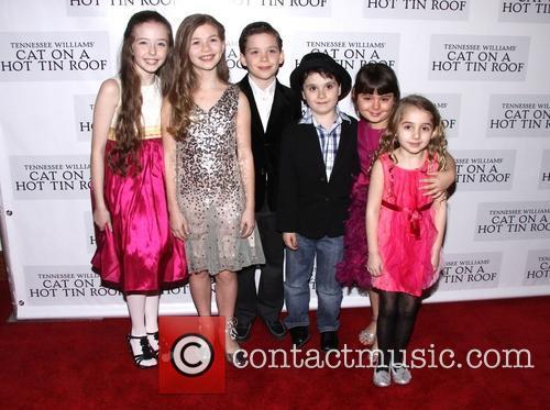 Alexa Shae Niziak, Victoria Leigh, George Porteous, Noah Unger, Charlotte Rose Masi and Laurel Griggs 1