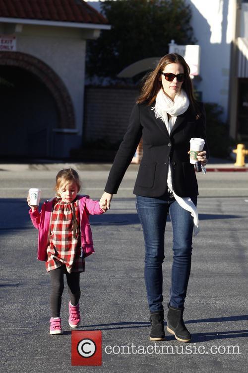 Jennifer Garner and her daughter depart Country Mart