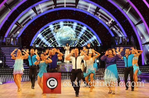 Artem Cingvintsev, Phil Tufnell, James Jordan, Robin Windsor, Pasha Kovalev, Louis Smith, Michael Vaughan, Fern Britton, Karen Hauer, Denise Van Outen, Lisa Riley, Dani Harmer, Ola Jordan and Natalie Lowe 1