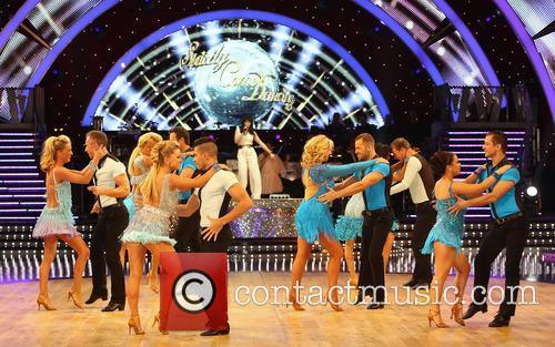 Artem Cingvintsev, Phil Tufnell, James Jordan, Robin Windsor, Pasha Kovalev, Louis Smith, Michael Vaughan, Fern Britton, Karen Hauer, Denise Van Outen, Lisa Riley, Dani Harmer, Ola Jordan and Natalie Lowe 4