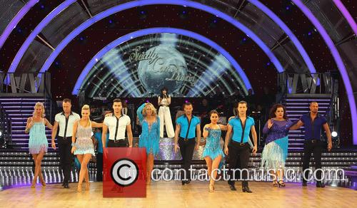 Artem Cingvintsev, Phil Tufnell, James Jordan, Robin Windsor, Pasha Kovalev, Louis Smith, Michael Vaughan, Fern Britton, Karen Hauer, Denise Van Outen, Lisa Riley, Dani Harmer, Ola Jordan and Natalie Lowe 5