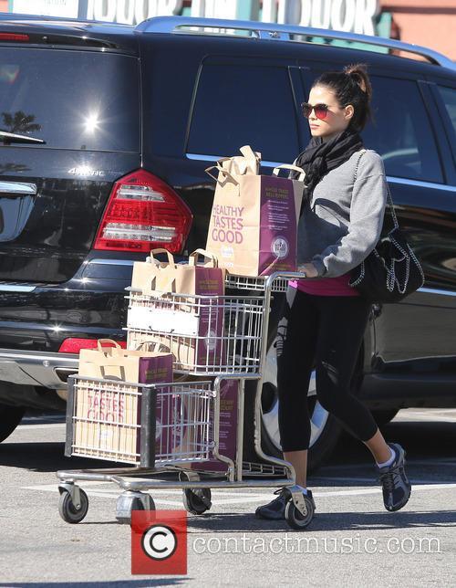 Jenna Dewan-Tatum at Whole Foods